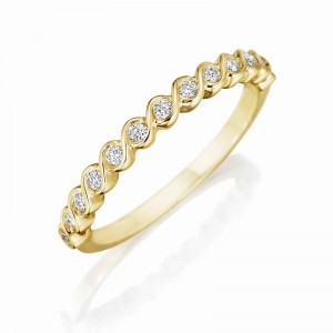 Henri Daussi yellow gold band featuring round brilliant white diamonds surrounded by a yellow gold twist