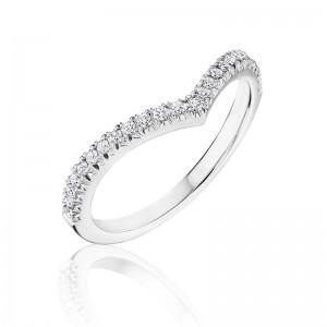 Henri Daussi band featuring round brilliant pave set white diamonds in a V design